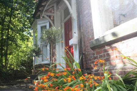 Flass House Upper, Waddington Street