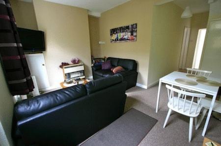 9 Neville Terrace