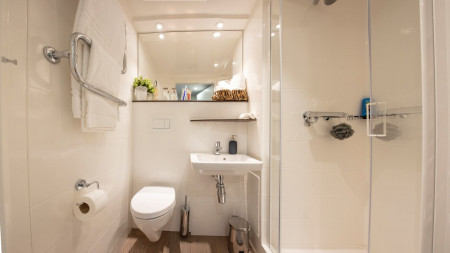 Silver En-suite (High Floor)