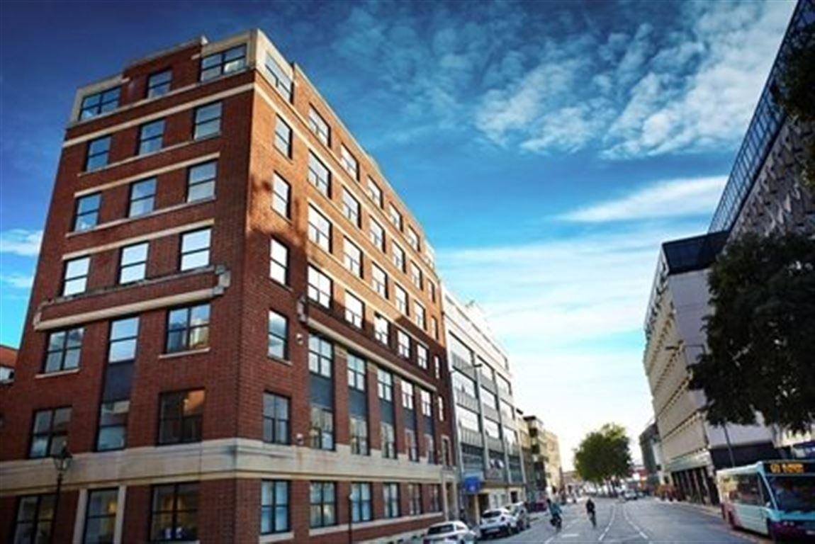 studio student accommodation in bristol crown house. Black Bedroom Furniture Sets. Home Design Ideas