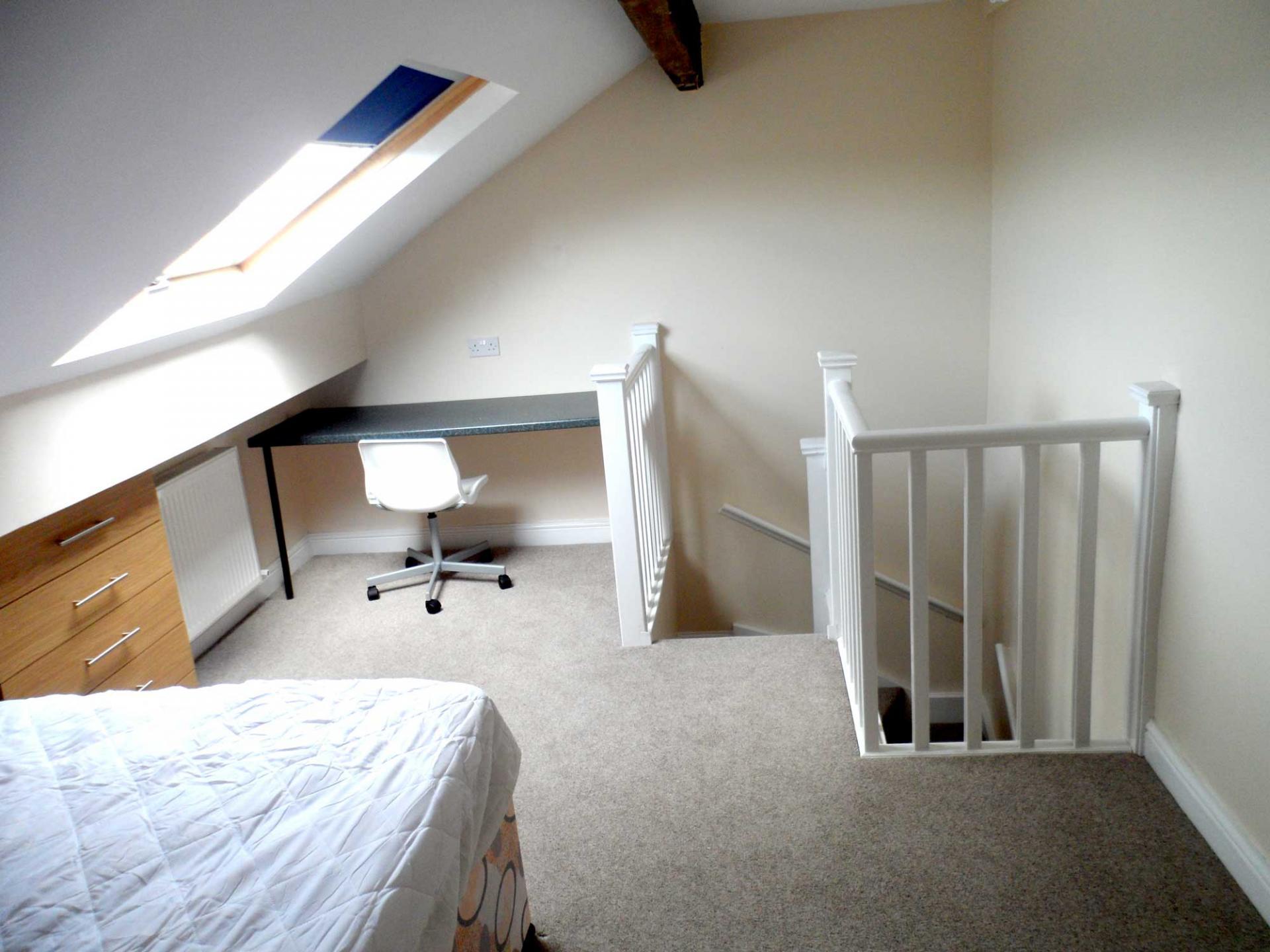 attic bedroom (ensuite)