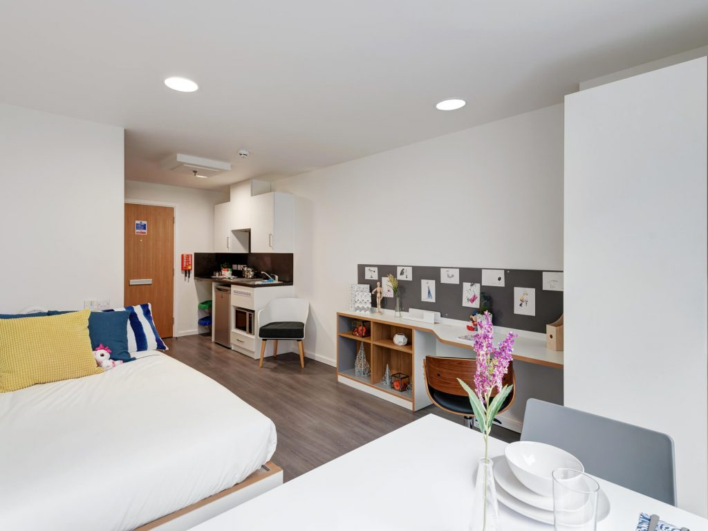 Magnificent 2 Bed Student Flat In Sheffield Two Bed Apartment Broad Download Free Architecture Designs Embacsunscenecom
