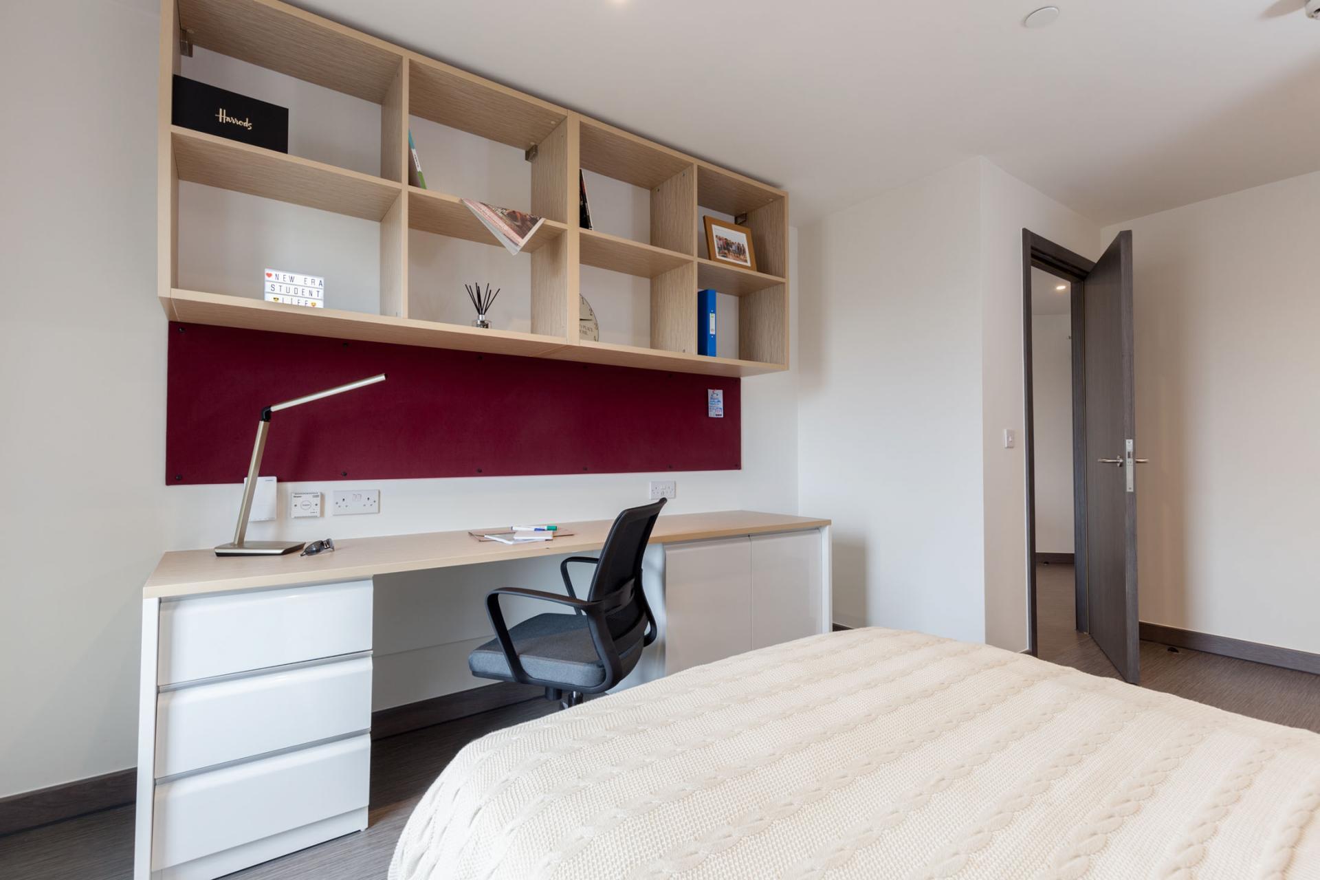 One Bedroom Apartment (Large - £190 per week)