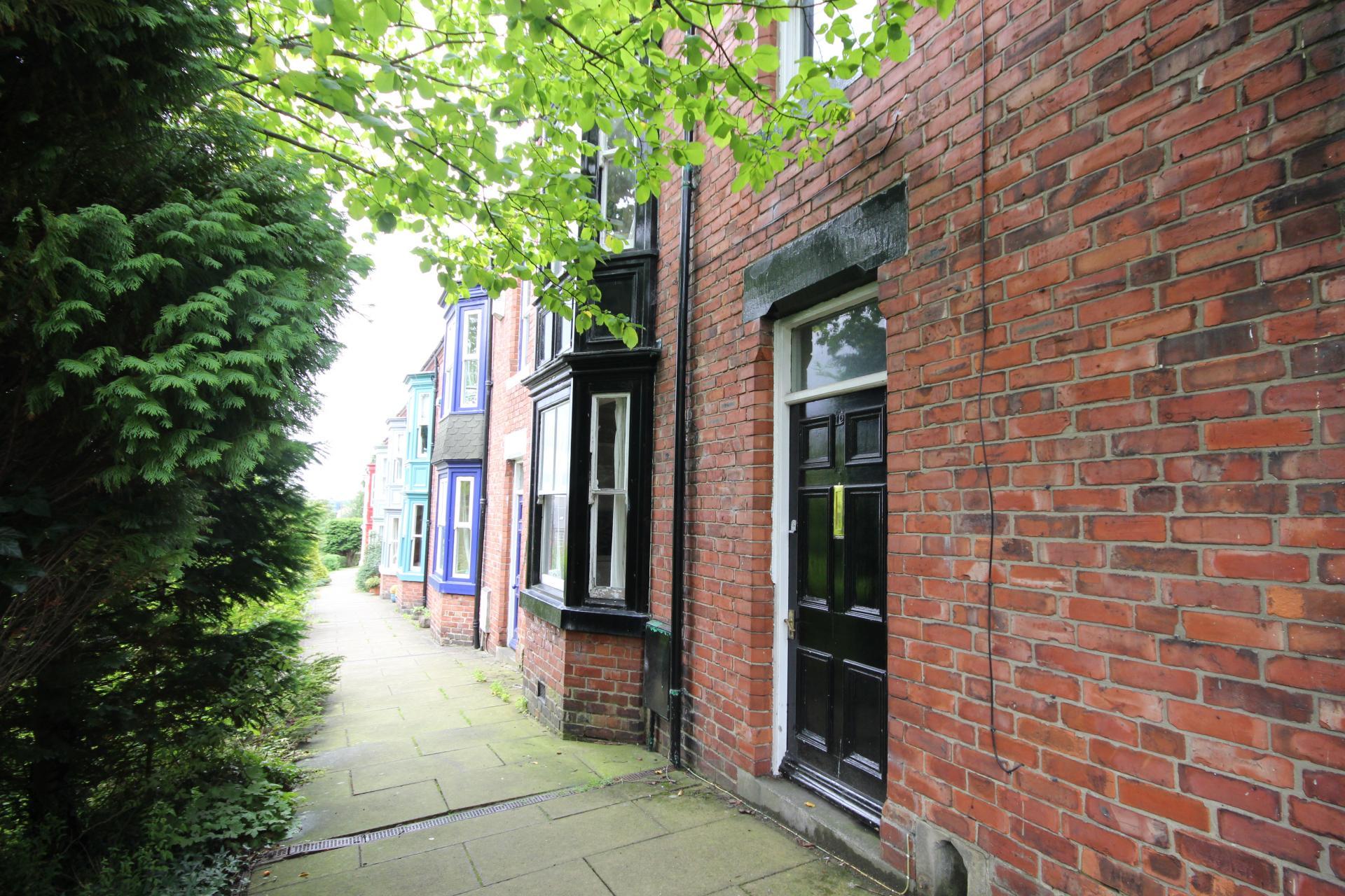 5 bed student accommodation in durham nevilledale. Black Bedroom Furniture Sets. Home Design Ideas