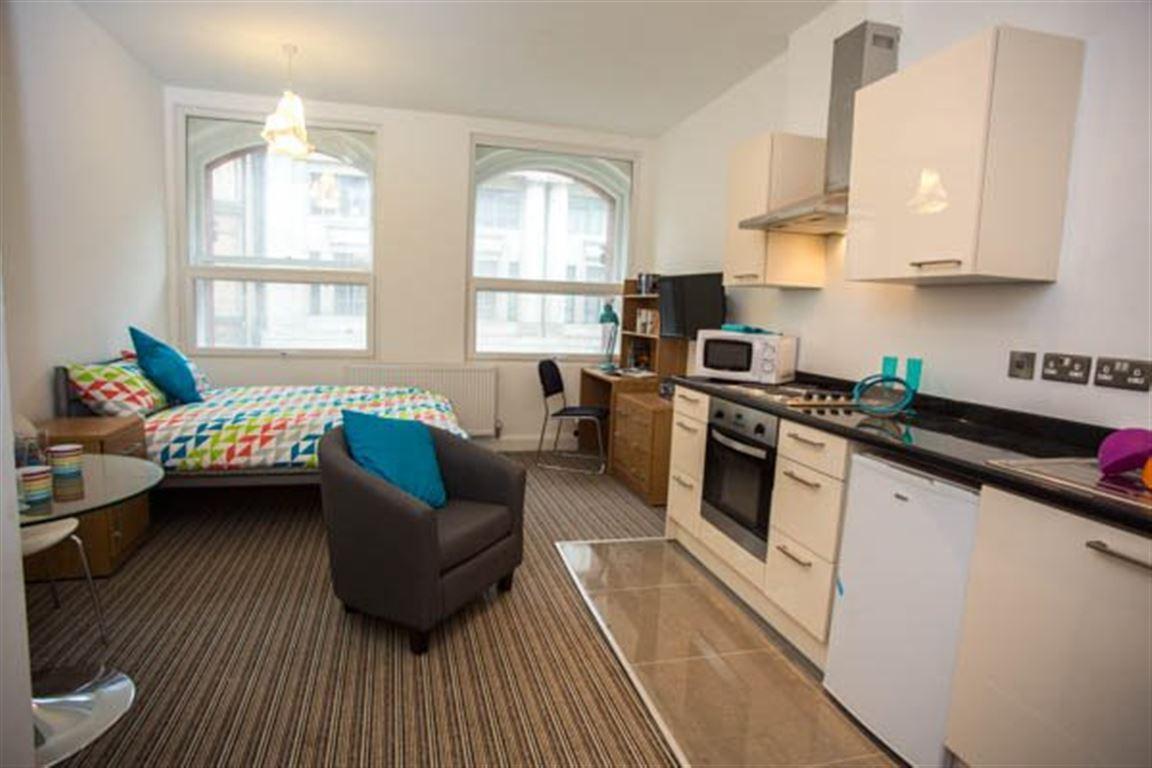 studio student accommodation in bristol carlton chambers. Black Bedroom Furniture Sets. Home Design Ideas